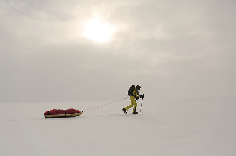Richard Parks skiing to the South Pole